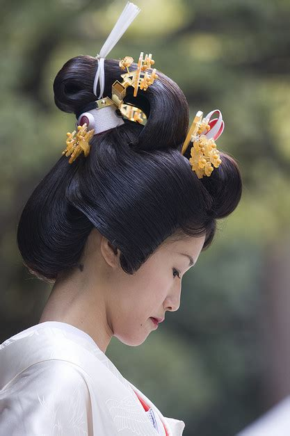 traditional japanese hairstyles how to do it traditional kanzashi hair ornaments png