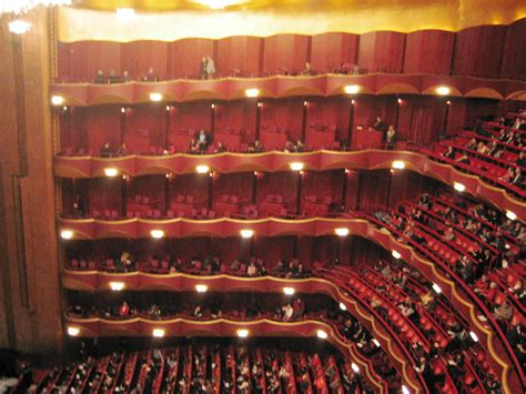 metropolitan opera house im lincoln center  york city