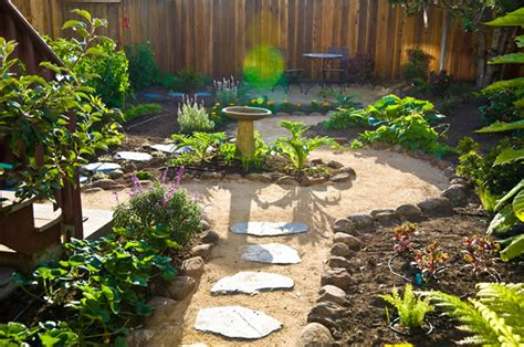 gardens designs tips on greener garden designs that are pet friendly