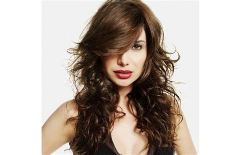 www step cut hairstyle that looks curly hair 30 amazing feather cut hairstyling ideas long medium