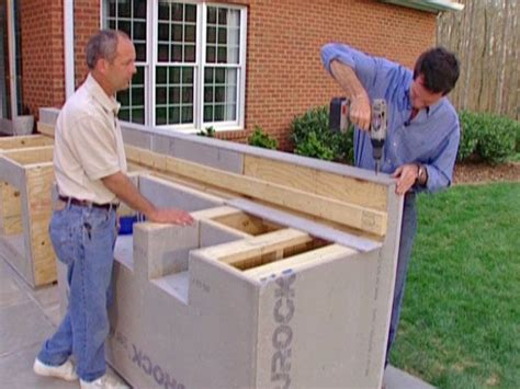 how to build a outdoor kitchen island 25 best ideas about diy outdoor kitchen on pinterest