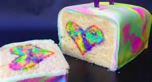 kuchen farbe dieser regenbogenkuchen ist anders als alle kuchen die du
