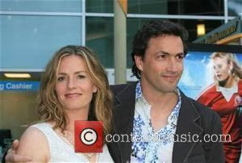 elisabeth shue brother death shue relives brother s death in new film contactmusic