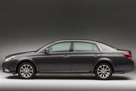 Dimensions Of Toyota Avalon 2011 Toyota Avalon Review Specs Pictures Price Mpg