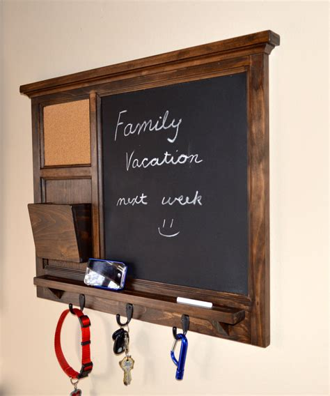 Mesmerizing Chalkboard Key Holder Design That Created With