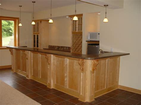 Wet/Dry Bars   Traditional   Basement   Cedar Rapids   by