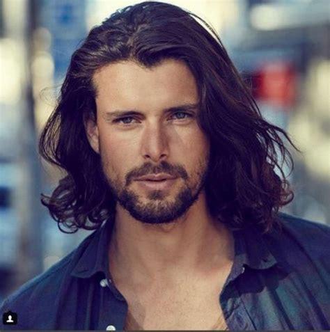 hombre hair on medium length hair peinados para hombres con cabello largo