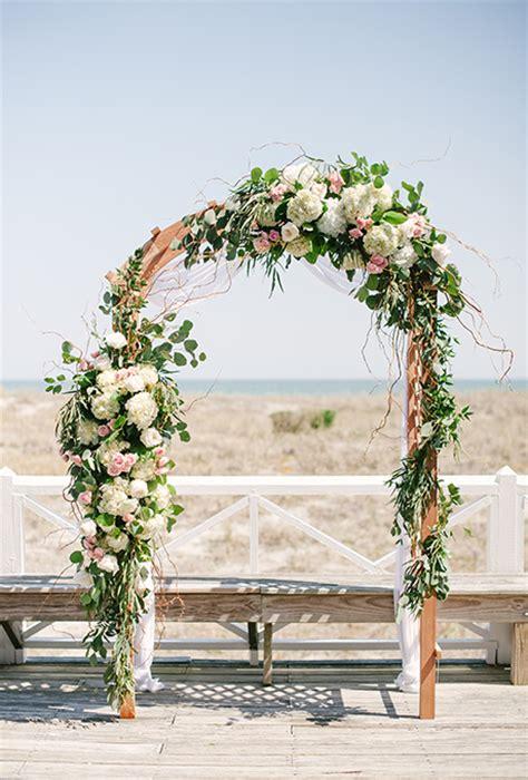 wedding wednesday ceremony decor flirty fleurs