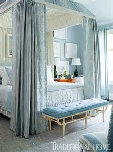 Canopy Beds In Small Bedrooms 19 Beautiful Canopy Beds That Will Create A Majestic