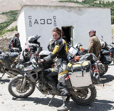 Motorradtour Um Die Welt by Lea Rieck Wie Bikinifotos Auf Einer Weltreise Helfen