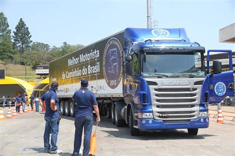 vinicius de moraes wins scania driver competition in