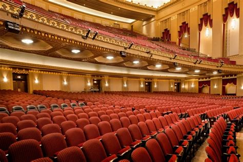 House Seats by Selecting The Right Auditorium Or Theatre Seating