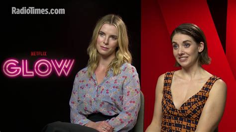 alison brie glow youtube glow s alison brie and betty gilpin talk wrestling youtube