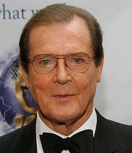 roger moore photo1 james bond s hair loss roger moore s hair falls out after