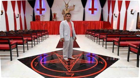 illuminati satanisti l eglise satanique ouvre ses portes