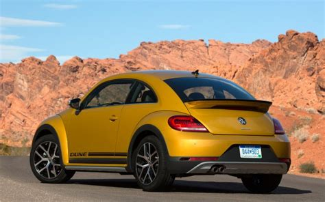 mini volkswagen beetle vw beetle vs mini cooper compare cars