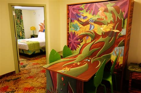 Master Bedroom And Bath Floor Plans by Photo Tour Of A Lion King Suite At Disney S Art Of