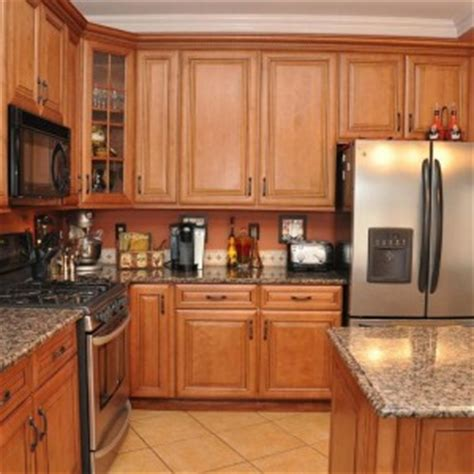 traditional kitchen with wooden flat oak kitchen cabinet