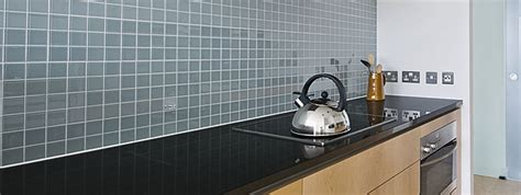 Installing Glass Tiles For Kitchen Backsplashes Glass Tile Backsplash Ideas Backsplash Com