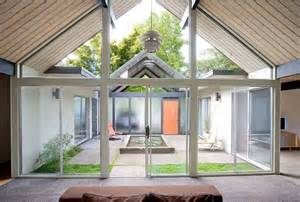 Houses With Courtyards In The Middle 10 The Most Cool And Amazing Indoor Courtyards Digsdigs