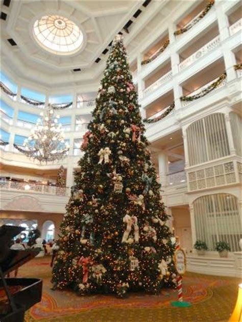 grand floridian christmas tree roy disney suite picture of disney s grand floridian resort spa orlando tripadvisor