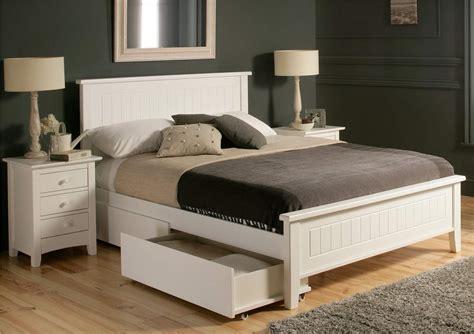 bedroom  design  queen captains bed   bedroom