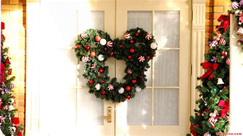 photos of christmas decorations christmas decorations mickey mouse christmas wreath