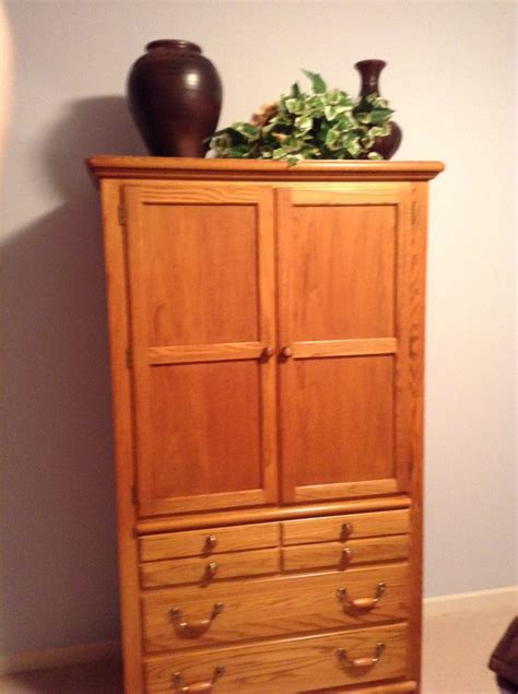 Bedroom Furniture Omaha Thomasville Oak Bedroom Suite Omaha 68135 Omaha 450 Home And Furnitures Items For Sale