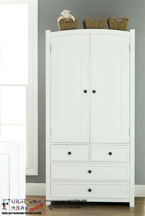Lemari Anak Karakter lemari anak pintu putih furniture anak