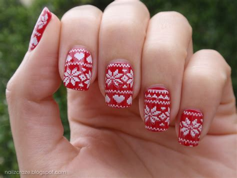 christmas pattern nails red christmas sweater mani with nailz craze nc03 plate
