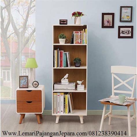 Lemari Kaca Tempat Tas 1000 ide tentang rak buku di kabinet rak