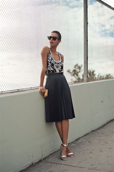my favorite ways to wear a pleated skirt this summer 2018