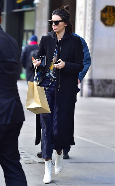 style kendall jenner 2017 kendall jenner casual style out in new york city 2 13 2017