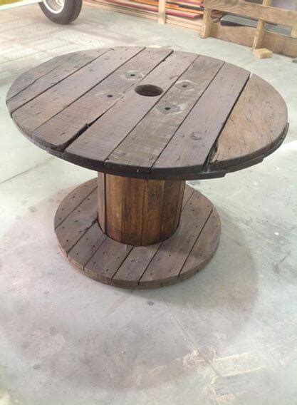 pallet and cable spool table set pallet furniture diy
