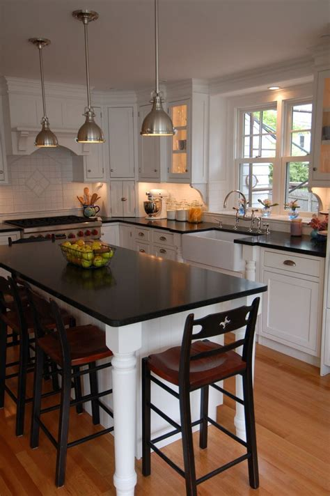 islands in small kitchens best 25 small kitchen islands ideas on small