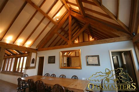Vaulted Ceiling Structural Design by King Post Trusses And Open Vaulted Ceilings Oakmasters