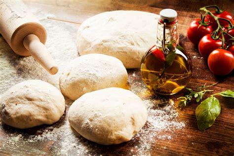 come fare la pizza fatta in casa ricetta per pizza fatta in casa come preparare l impasto