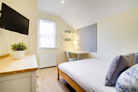 Student Crib by 86 Kimbolton Avenue 6 Bedroom Nottingham Student House