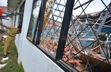Melakukan Pemeriksaan Dan Pengujian Hasil Las Untuk Smk U95 polisi tunggu hasil pemeriksaan tim ahli bangunan dan puslabfor berita cikarang