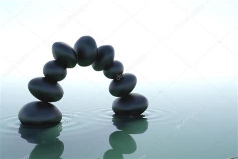 imagenes zen agua arco de piedras zen en agua foto de stock 169 doint