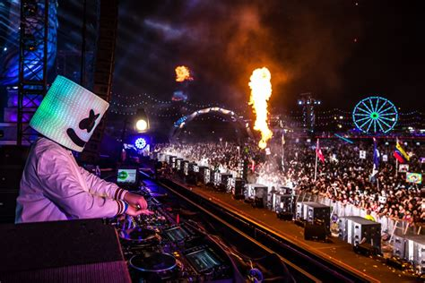 marshmello edc neon lights big beats the edc vegas story in pictures