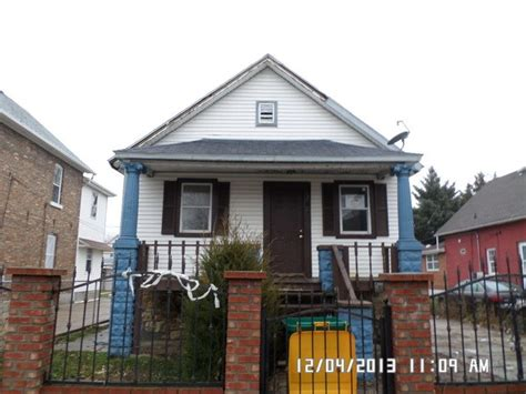 houses for sale in joliet il 706 garnsey ave joliet illinois 60432 reo home details foreclosure homes free