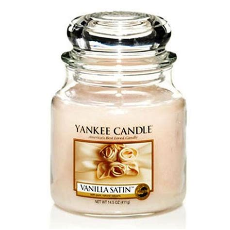 candele yankee candle yankee candle vanilla satin scented candle review best