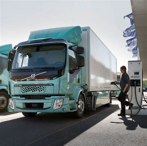 volvo electric truck 2019 electric trucks delivered diesel news
