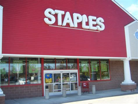 Office Supplies Ri Staples The Office Superstore 11 Photos 11 Reviews