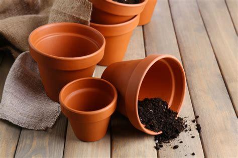 vasi in terracotta come pulire i vasi di terracotta soluzioni di casa
