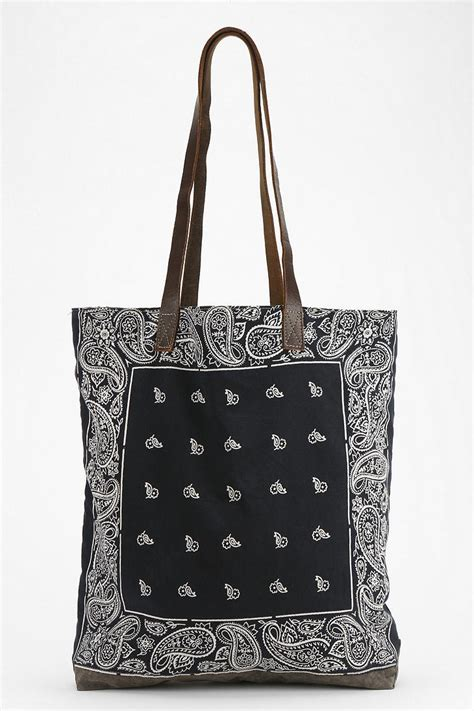 Outfitters Floral 2 Pocket Tote by Lyst Outfitters Renewal Bandana Tote Bag In