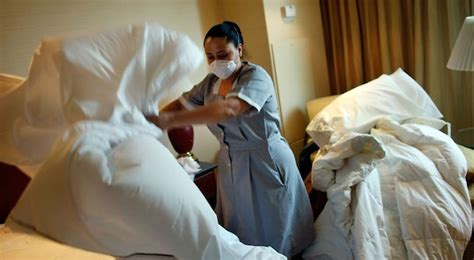 15 Hotel Maids Reveal The Most Horrifying Thing They Ve