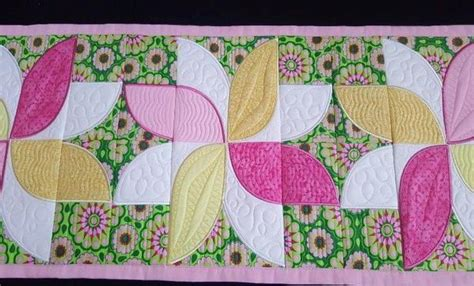 frangipani quilt blocks and table runner 5x5 6x6 7x7 in