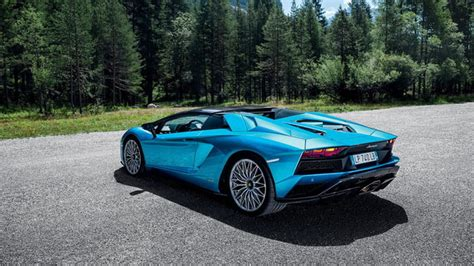 lamborghini aventador s roadster features lamborghini aventador s roadster photos details and specs digital trends
